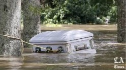 While Louisiana  Drowns  Obama Plays Golf ?