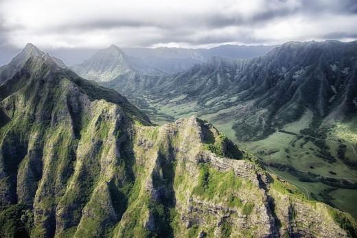 A mountain range in Hawaii near Honolulu.