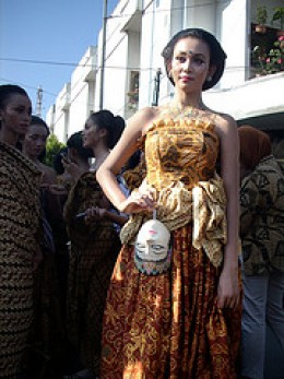 Solo Batik Carnival 2009  all credit to Agus Yuniarso Flickr