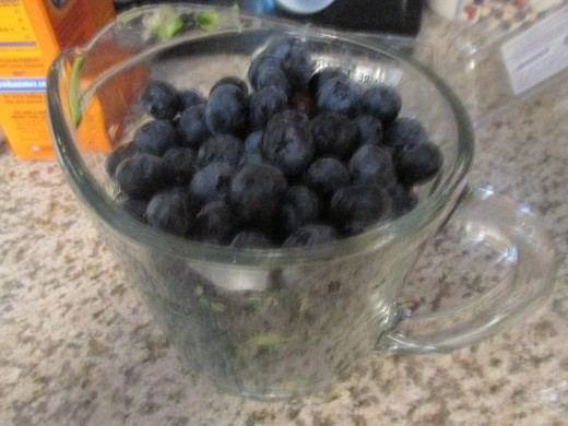 1 pint (2 cups) of fresh blueberries