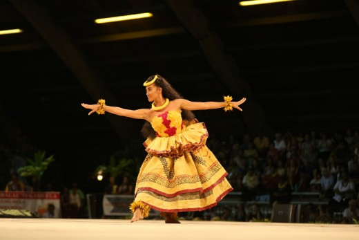 Miss Aloha Hula 2016-  Kayli Kaʻiulani Carr Hālau Hi'iakaināmakalehua  Nā Kumu Hula: Robert Ke'ano Ka'upu IV & Lono Padilla