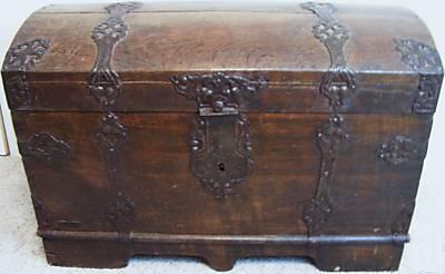 A decorative dome top trunk