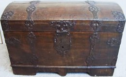 A decorative dome top trunk