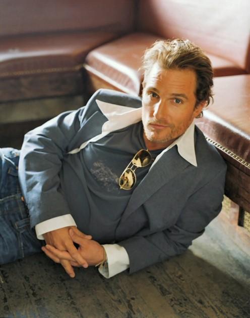 "McConaughey's ""sexy"" pose"