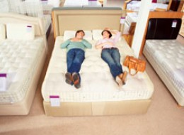 Thoroughly Testing a Mattress At the Store is Critical For a Purchase Decision