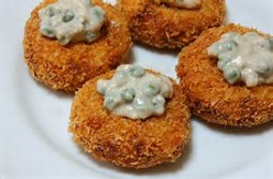 Chicken Coquettes in White Sauce With Peas
