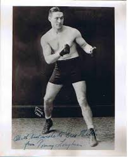Samuel Stewart fought as a heavyweight prizefighter as an amateur boxer. With his speed and talent, Stewart would have been a great addition in the professional ranks.