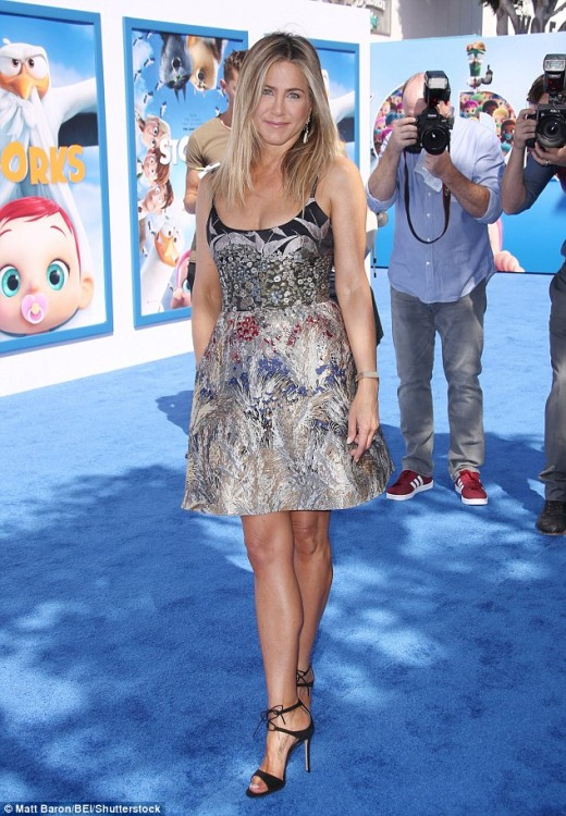 Jennifer Aniston appearance for 'Storks' premiere
