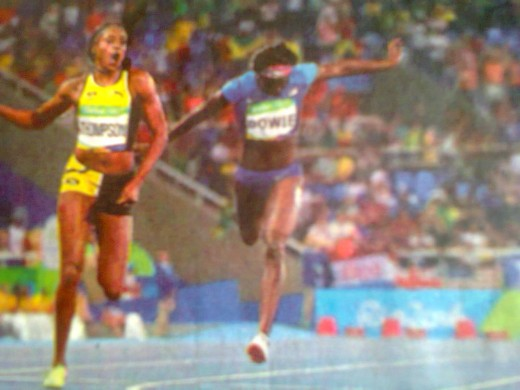 Elaine Thompson wins Women's 200 m Relay Gold Medal