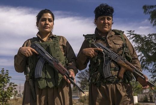 Kurdish women soldiers.