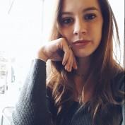 Kelli Woolworth profile image