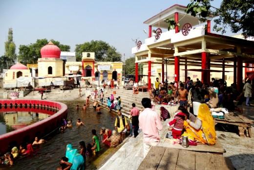 Devotees at Chakratirtha