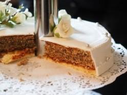 Sponge wedding cake