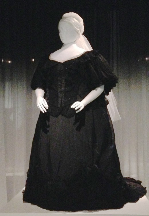 Queen Victoria's Everyday Mourning Dress from 1894-1895