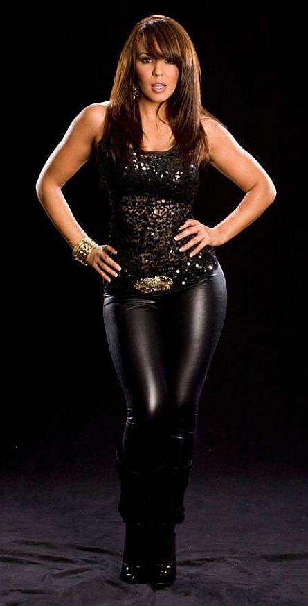 Former WWE Diva Layla El