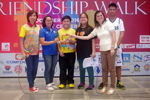 SOP Athlete Leaders Alissandra Pascua, Barwin Igot and Unified Partner Johnsep Abode with SOP Board of Directors and Healthy Athlete Director Dr Carmen Abesamis Dichoso & SOP NCR South President Cristy Canizares awarding the plaque to Ms. Diaz.