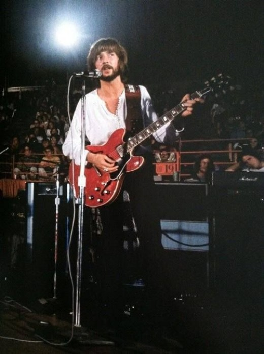 Eric Clapton & Gibson cherry red ES-335