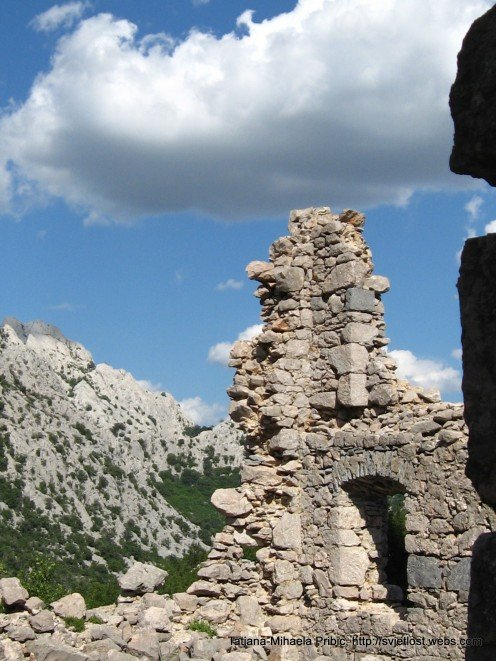 While old house becomes the ruin, mountains are mightier and stronger then ever. Nature alway winns!