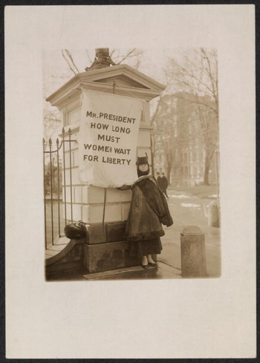 """""""Silent sentinel"""" Alison Turnbull Hopkins at the White House on New Jersey Day 1917."""