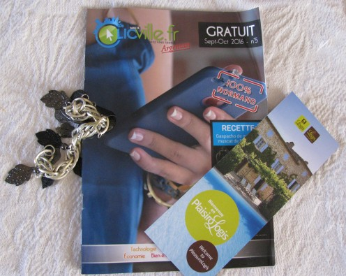 Bracelet, Booklet, Leaflet