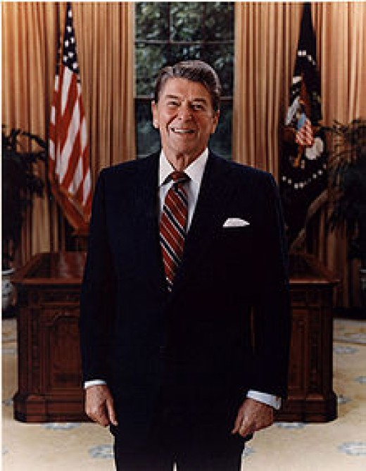 Official Presidential portrait of Ronald Reagan in 1985