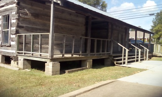 1840's Dog Run Cabin -  DeSoto County Historical Museum, Hernando, MS