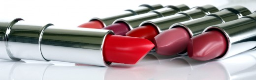Apply satin lipstick in the afternoon.