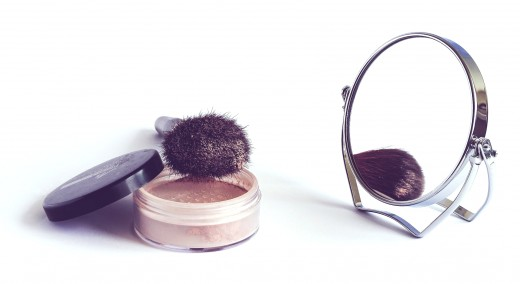 Loose powder is finer and more light textured than pressed products.