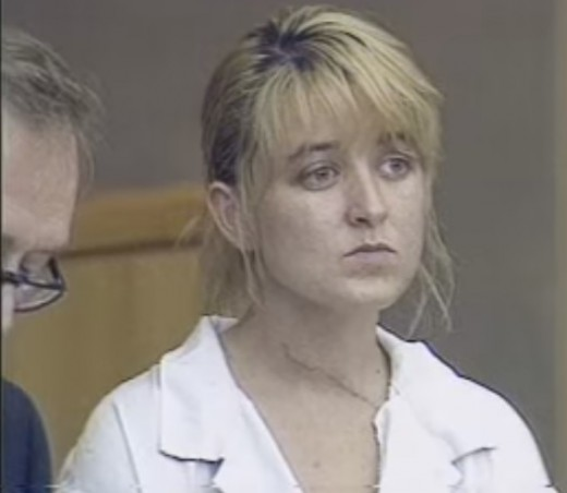 Close up of Darlie during the trial. The scar from her neck wound can be seen.