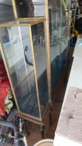 I have a vintage display case I don't know anything about it.