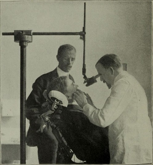 Dentist's chair in 1907