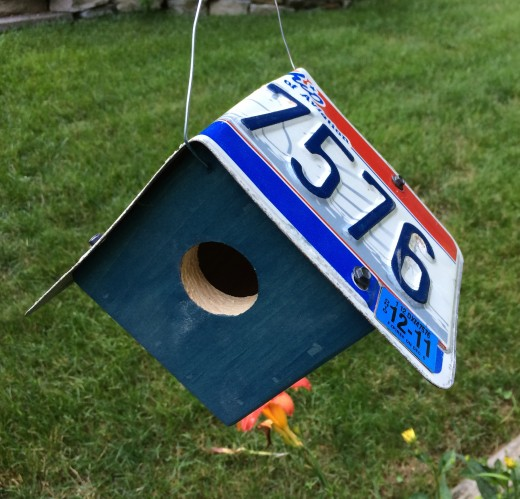 Hanging License Plate Birdhouse
