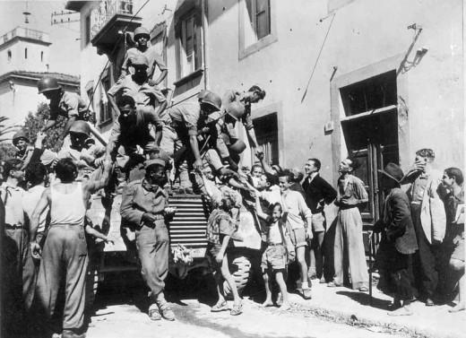Brasília soldiers arriving in Massarosa, Italy - Septembre 1944.