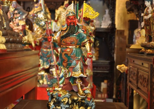 Standard depiction of Guan Yu for Chinese altars.