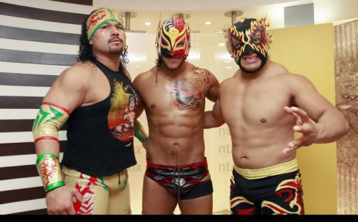 Rey Escorpion, Dragon Rojo Jr. and Polvora as Los Revolucionarios del Terror