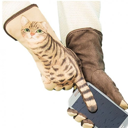 Cat  Lovers will really enjoy receiving these warm suede gloves as a gift