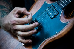 How to Choose the Right Electric Guitar to Buy