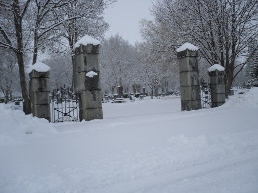 Original stone column gates