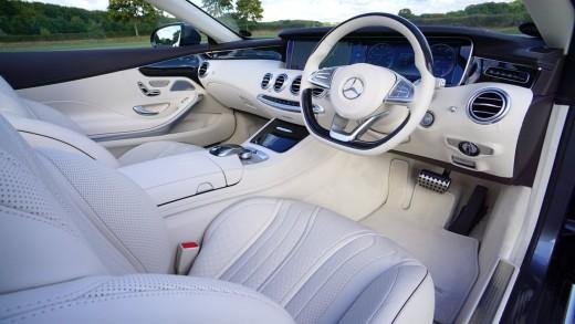 Feel the luxury of having an organized dashboard.