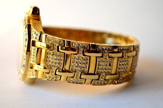 Milanese loop makes your apple watch look classy too!