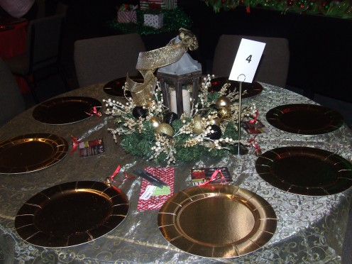 A Golden Christmas Table