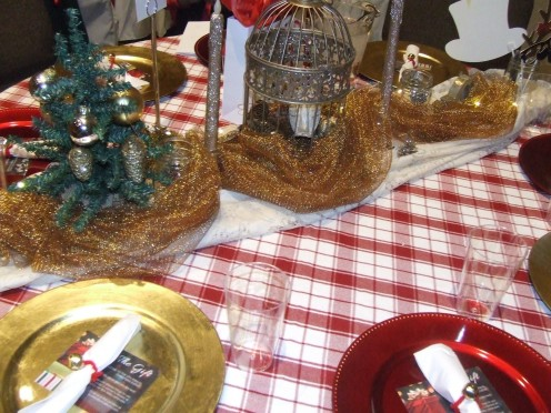 A Picnic Christmas Table