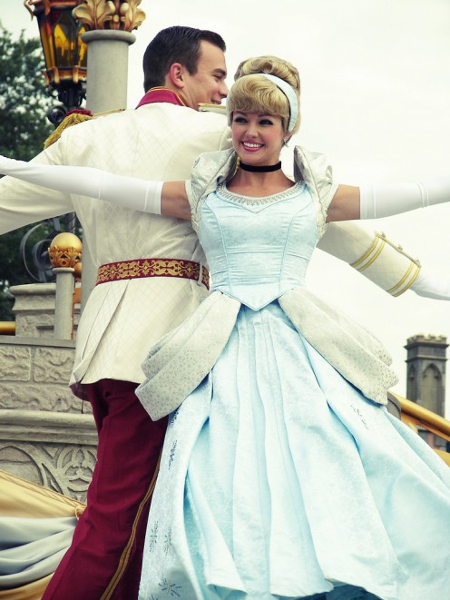 If you're going to be spending Halloween with your lover, both of you can opt to dress up in couple costumes. For instance, you can be Cinderella while he can be the Prince Charming