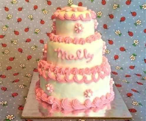I don't think you could get much more fancy than this gorgeous cake!!