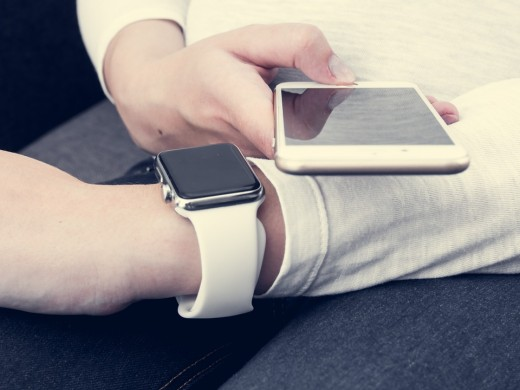 Use your iPhone even when you are busy with the Apple watch.