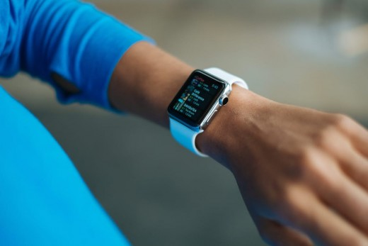 Read on to know more about the advantages of Silicone Apple watch band.