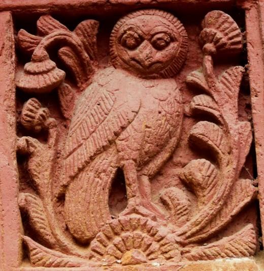 An owl : Decorations on pillar : Nandadulal Jiu temple, Gurap