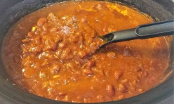 Hearty Slow Cooker Beef and Bean Chili