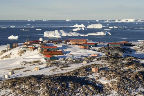 Human settlement in Antarctica