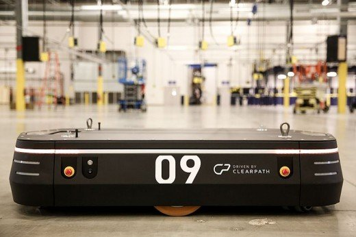 OTTO 1500 self-driving vehicle for heavy-load material transport in warehouses, distribution centers, and factories.